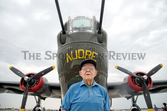 BOB BESHORE IN FRONT OF A B-24 LIBERATOR
